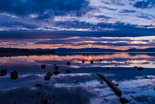 lake sunrise tahoe
