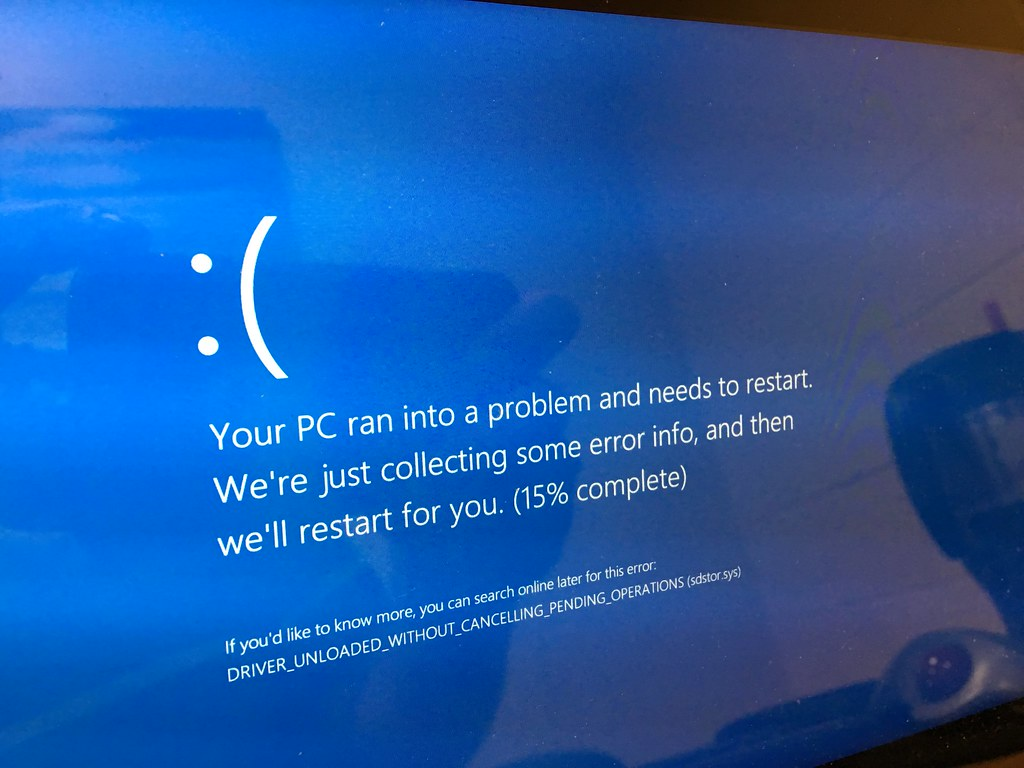 SD card reader blue screen | This is a common thing on Dell … | Flickr