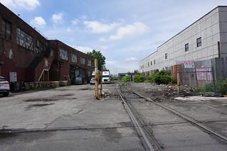 Train tracks | Woodward Ave (nr Flushing Ave) | Bushwick | Brooklyn | NYC