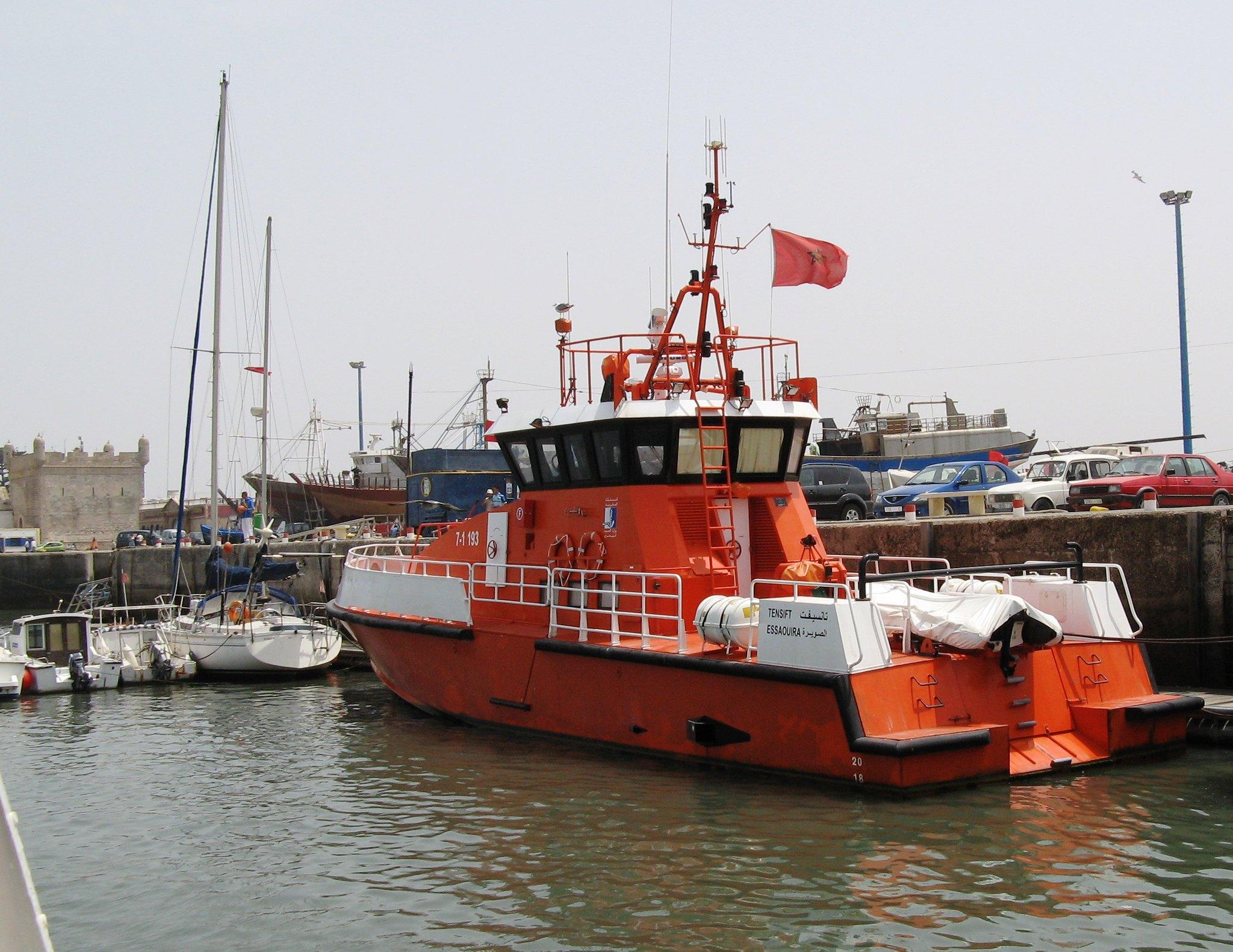 Sauvetage maritime au Maroc / service de recherche et de sauvetage  - Page 3 30909029503_8441f2e233_k