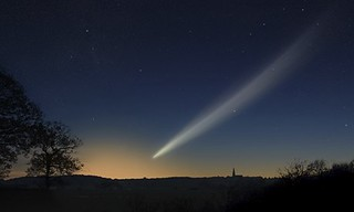 comet Ison graphic | by Zonnee