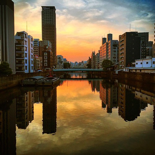 morning japan sunrise river squareformat 大阪 osaka dotonbori 川 堀江 iphoneography