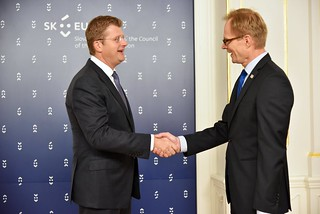 HANDSHAKE 2016-07-18 nformal Meeting of Ministers Responsible for Competitiveness (Internal Market and Industry) | by eu2016sk