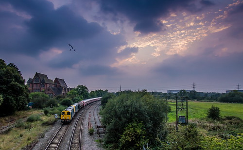 20096 20107 sstock train railway whitacre 1147 old dalby west ruislip tube stock sunset swans 7x09