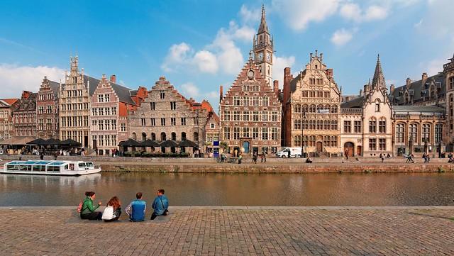 Gent : Sittind on the Korenlei dock