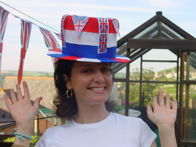 2002 - 01 - Queen's Jubilee - Joy celebrates