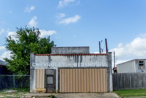 chevrolet abandoned texas decay ruraldecay oldsmobile waelder waeldertexas waeldertx