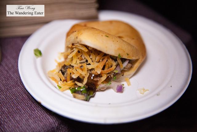 Torta de Pato (Corn bun, duck carnitas, crispy potatoes and Negra Modeao morita salsa) by The Black Ant