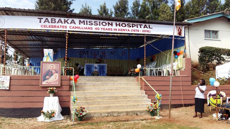 Tabaka, palco per la celebrazione del 40 anniv.
