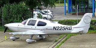 N225RB : Cirrus Design SR20