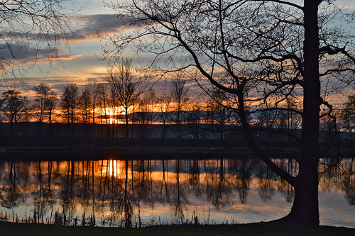suomi spring sky sunset sun sunlight nikon nature evening ilta landscape lake järvimaisema järvi maisema heijastukset trees puut auringonlasku aurinko clouds colors colorful kevät water waterscape vesi taivas flickr goldenmoment d3200 nikond3200 europe