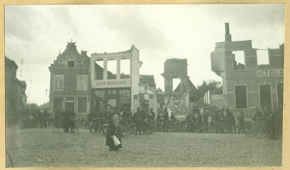 De ruïnes van Aarschot in september 1914 | Aarschot destroyed, September 1914