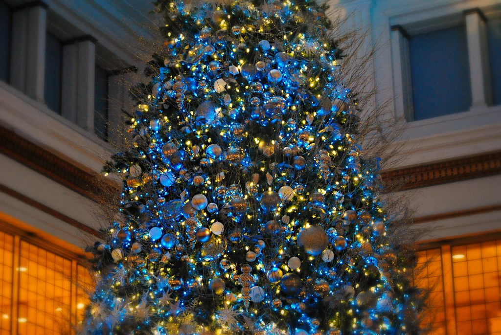 Chicago Christmas.Walnut Room At Macy S Chicago Christmas Tree Merry Christ