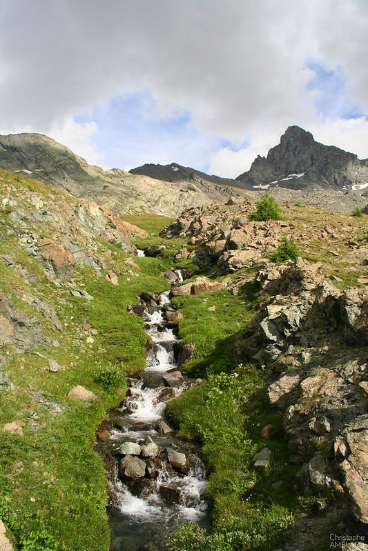 Tête des Toillies et ruisseau de la Blanche