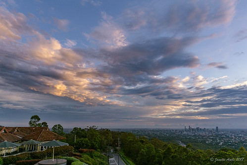 2017 australia brisbane mtcoottha mtcootthalookout qld queensland buildings city clouds skyline sunrise sky