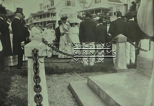 Onthulling borstbeeld Eilerts de Haan | by Stichting Surinaams Museum