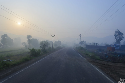 road morning sun india sunrise foggy wires pune 2015