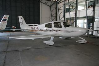 Cirrus SR20 HS-TPK-2 Hua Hin 02May12 (Frank Vorwerk)