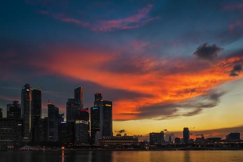 singapore cityscape waterfront mbs marinabay marinapromenade fieryclouds marinareservoir intensecloudscape