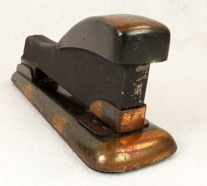 RD11756 Vintage Art Deco Stapler The Hotchkiss Sales Co. Norwalk, CT Model 120 DSC02417