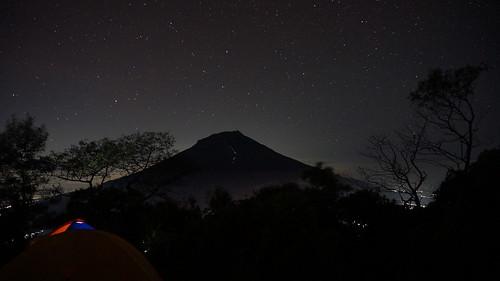 travel light mountain night landscape star sony gunung backpacker wonosobo temanggung pendaki sindoro sumbing nex5t