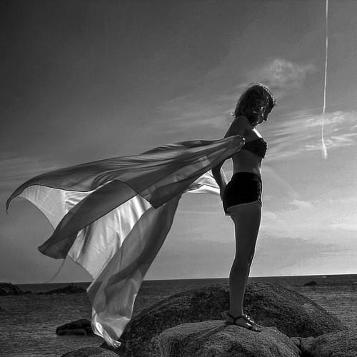Como un hada con sus alas al viento. Modelo  @victoriamancha.a | by TONI KARTANFLAT