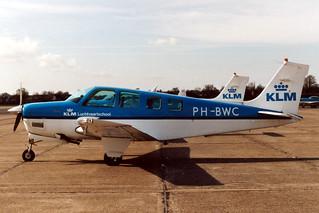 PH-BWC Beech @ Eelde 06-04-1995 by Jan Hetebrij