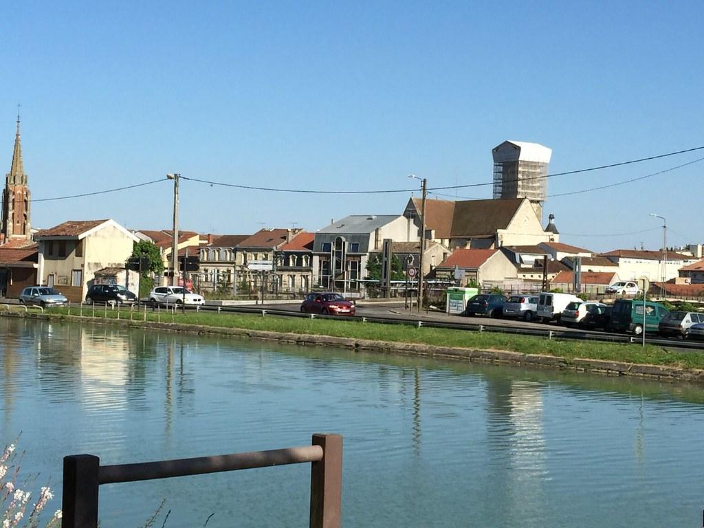 Agen modern Du Hauron view 3