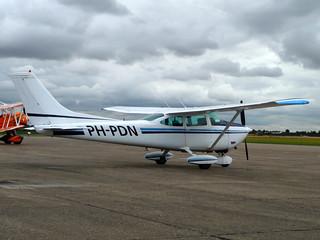 PH-PDN Cessna 182P Skylane cn 182-62694  Duxford 06Aug15