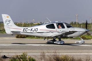 EasyFly EC-KJO Cirrus SR22-GTS