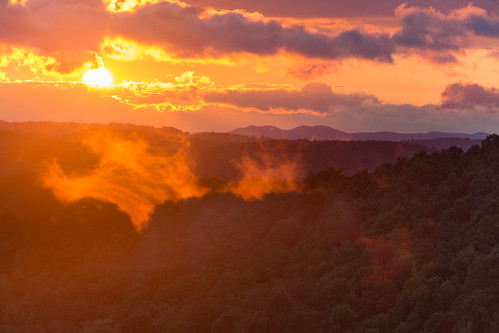 horizon trees landscape sunset haze smoke mountains sky greatsmokymountains canon dusk 6d clouds floyd virginia unitedstates us