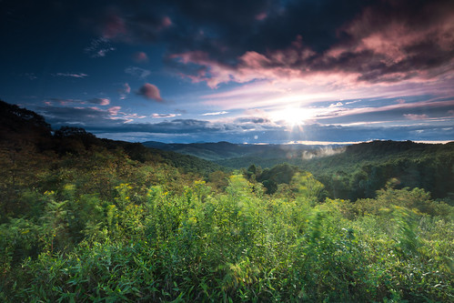 view 6d brp landscape sunset bluesky greatsmokymountains shrubbery blueridgeparkway sky green canon virginia trees clouds floyd unitedstates us