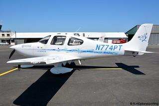 Cirrus SR20 G2 - N774PT - LBI/LFCI