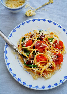pasta with tomatoes and fresh basil | by hallosunnymama