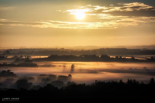 morning england sun sunlight mist sunrise dawn countryside unitedkingdom outdoor sony gb a77 southoxfordshire littlewittenham sonyalpha andyhough slta77 andyhoughphotography