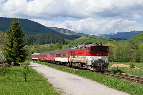train railway 757 vlak zsr zeleznica zssk