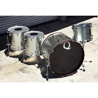 I know we've posted many photos of our galvanized steel drum sets but it's for good reason. These were the first metal drum sets we started building and have always been a huge favorite. They sound enormous yet are controlled enough to be incredibly versa   by QDrumCo