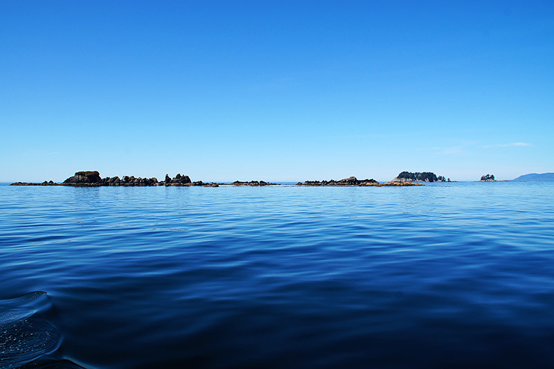 Islets in Kyuquot Sound, Vancouver Island, British Columbia, Canada. Photo: Santa Brussouw.