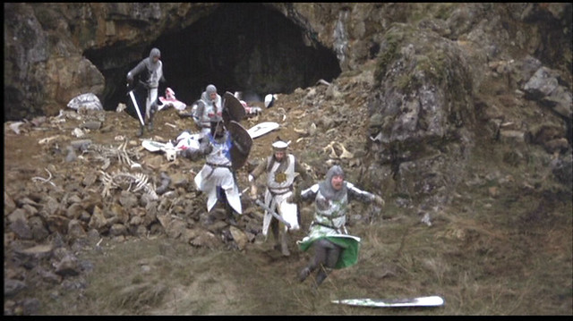 Killer-Bunny--monty-python-and-the-holy-grail-590929_1008_566