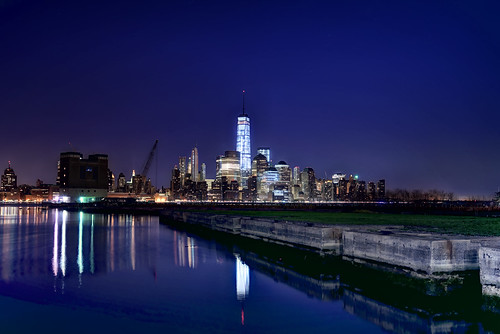 longexposure reflection skyline night skyscraper jerseycity cityscape nightscape manhattan financialdistrict license hudsonriver gettyimages fido mudpig stevekelley 1worldtrade oneworldtrade stevenkelley licensenow