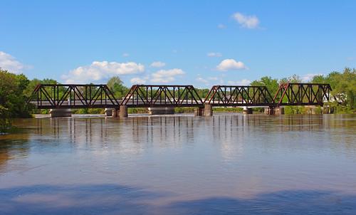 bridge ohio water river zanesville muskingumcounty