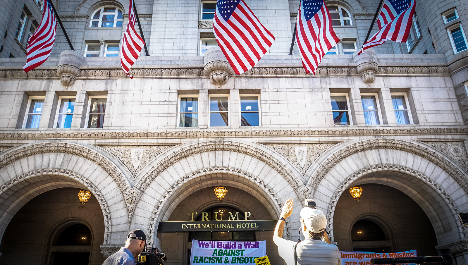 Thanks for publishing my photo, in Justices vacate rulings on Trump and emoluments – SCOTUSblog