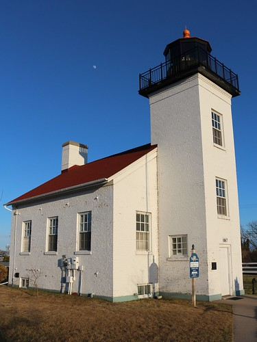 lighthouse april escanaba greatlakeslighthouses sandpointlighthouse deltacountymi canonsl1