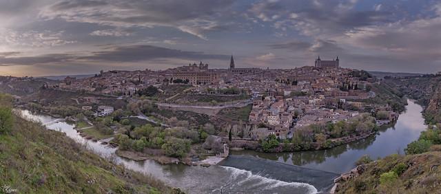 Panoramica de 6 fotos verticales de TOLEDO
