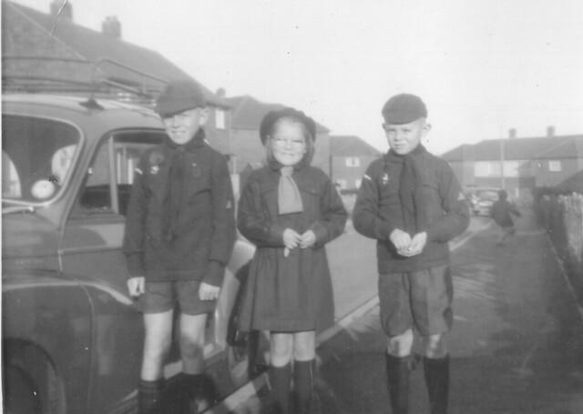 1964 - 02 - Steven, Debbie, Grahame, cubs and brownies