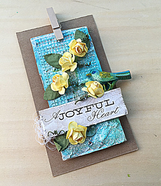 A-joyful-heart-mixed-media-card-by-Yvonne-Yam-for-LESSology