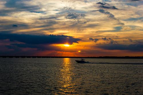 sunset summer sky usa clouds boat newjersey ciel oceancity été nuages bateau coucherdesoleil 2015 greateggharborbay