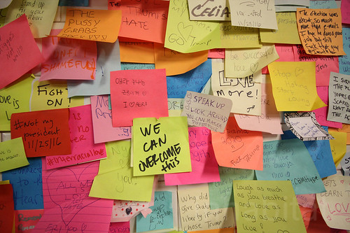 1,000s of subway Post-it Notes provide therapy for New Yorkers after Trump's election We can overcome | by Inhabitat