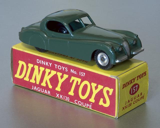 Dinky Toys No.157 Jaguar XK120 Coupe with spun hubs