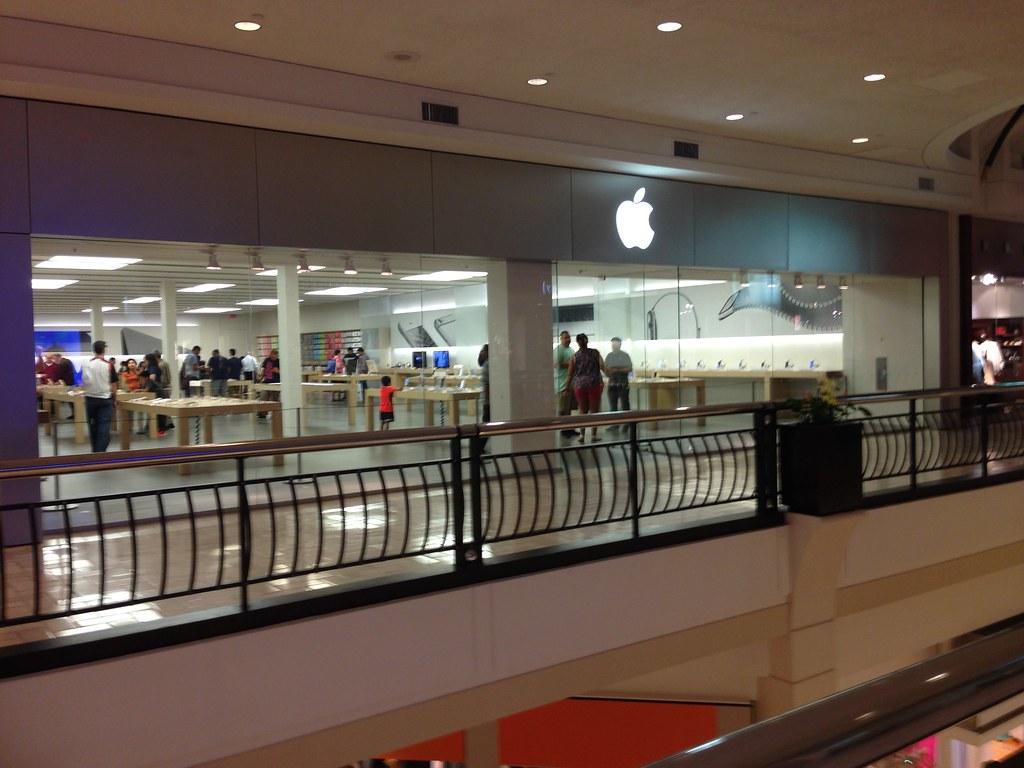Apple Store - Tysons Corner, VA   Opened on May 19, 2001 as …   Flickr